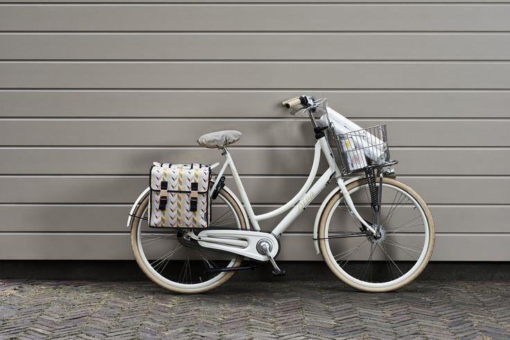 Sacoche vélo double Triangle 35L - Basil, en vente sur Hollandbikes.com.