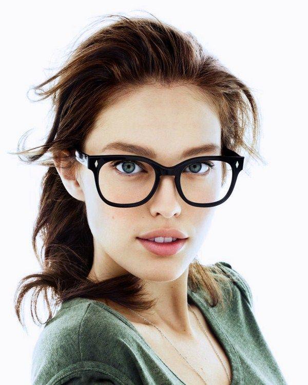 Девушки в очках для зрения брюнетки фото
