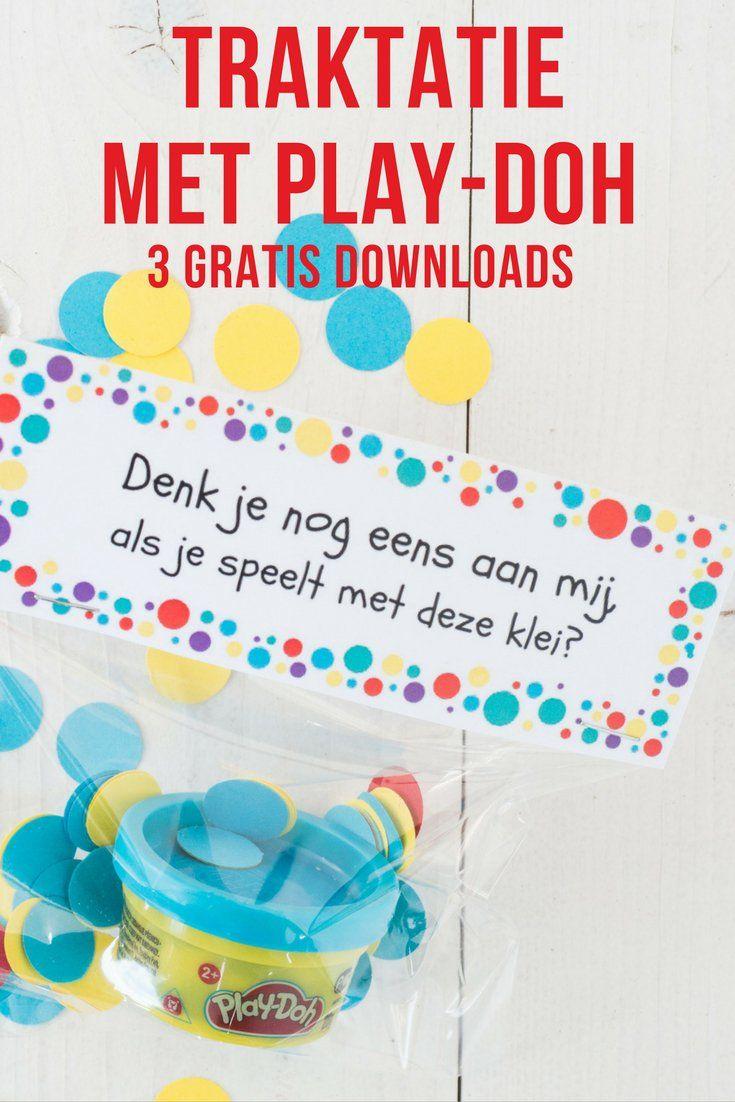 Wil je niet op eten of snoep trakteren? Of zoek je een traktatie voor een verhuizing of afscheid van de peuterspeelzaal Wij maakten een traktatie met klei van Play-Doh, Met 3 gratis downloads.