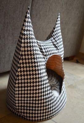 We gooiden het naaien eens over een gans andere boeg, geen tassen, geen selfish sewing...   maar iets voor ons derde kind in huis :-)     W...