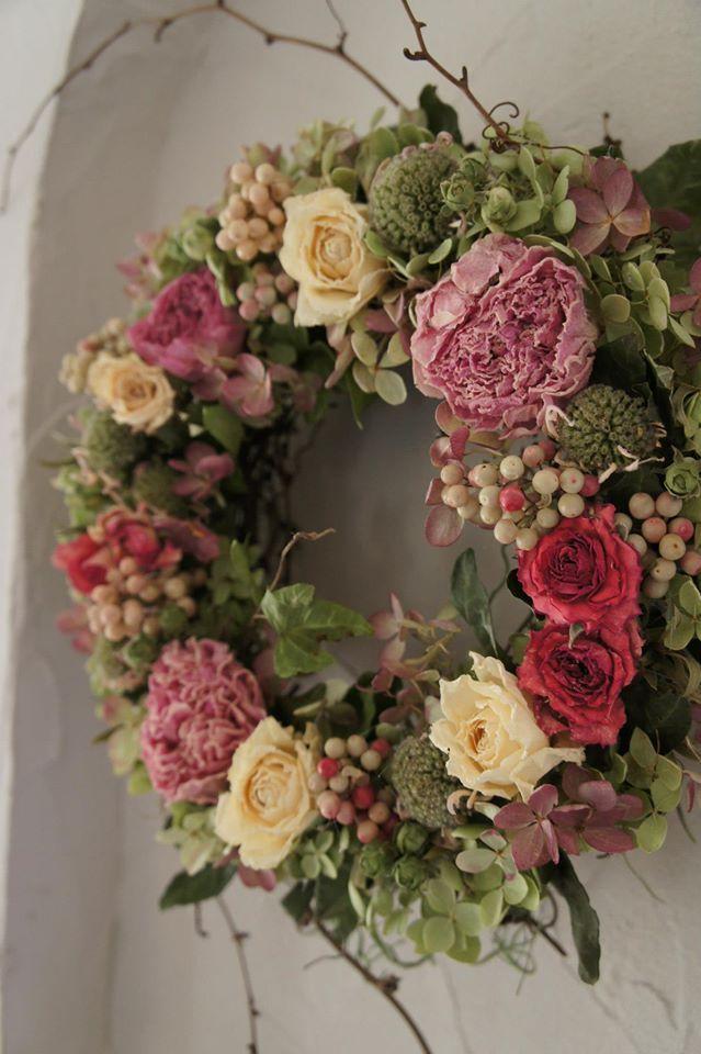 //Blueberrybucket #floral #arrangement #Wreath