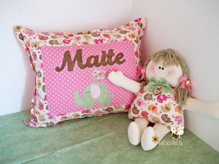 capa para almofada/travesseio e boneca naninha  https://www.facebook.com/coisasdelis?ref=aymt_homepage_panel