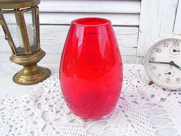 Vintage Kristall - spaceage Kristallvase kirschrot Künstlerglas 60er - ein Designerstück von artdecoundso bei DaWanda