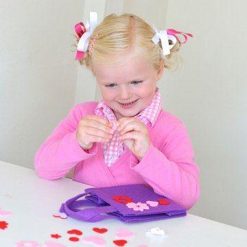 Een knutselpakketje voor weinig geld om op een kinderfeestje voor meisjes te gebruiken.
