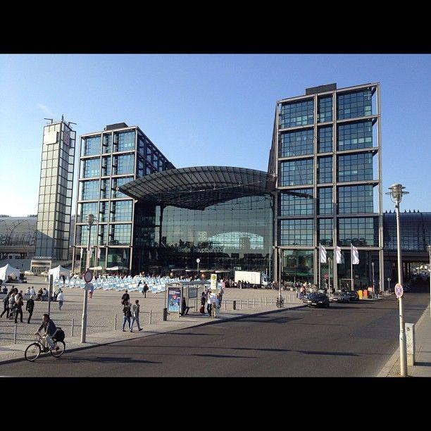 """Am Berliner Hauptbahnhof wurden Szenen des Films """"Unknown Identity"""" mit Liam Neeson aufgenommen."""