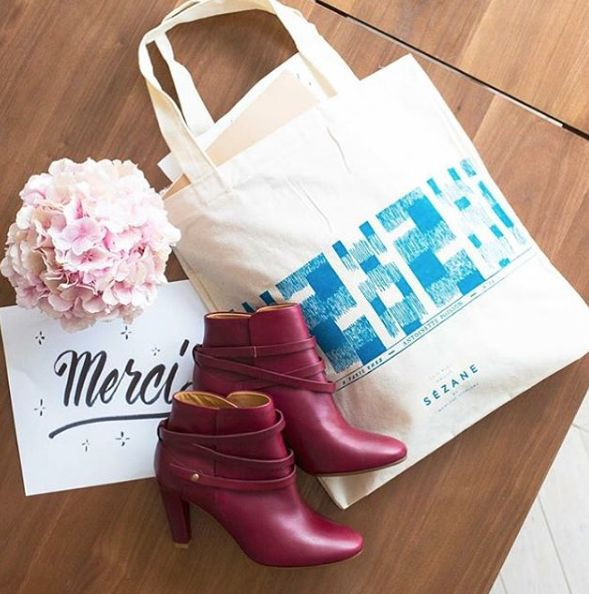 Nouveaux tote bags Antoinette Poisson  www.sezane.com   #sezane #antoinettepoisson #boots #instagram