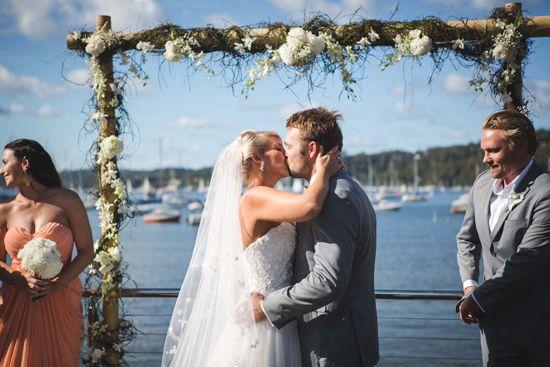 http://Relaxed ocean side wedding028