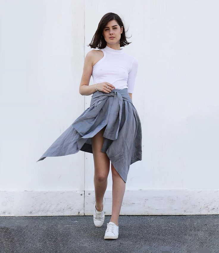 Just add sneakers to this effortlessly easy skirt