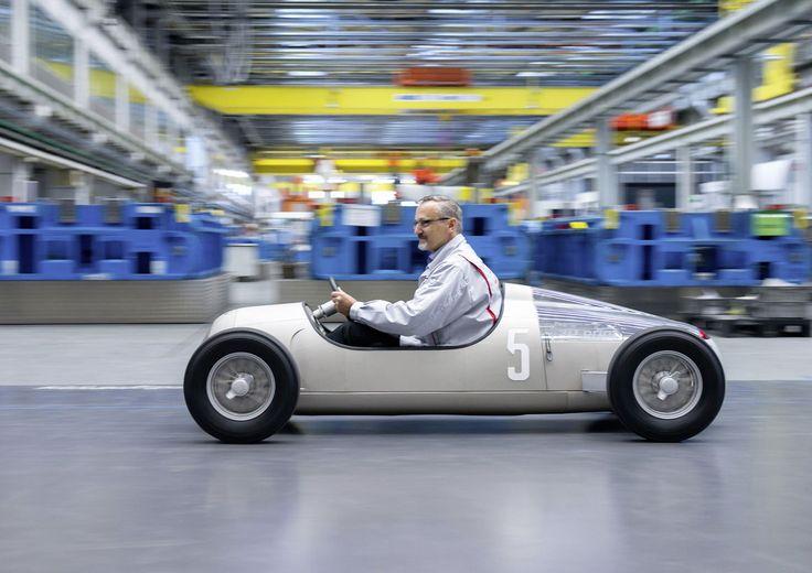 """Audi stampa in 3D un modellino esatto del """"Silver Arrow"""" (Auto Union Typ C)"""