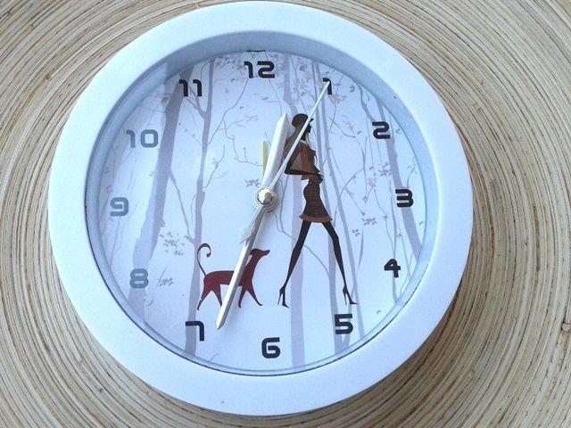 girl ébresztő óra