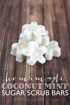 Easy DIY homemade sugar scrub bars - perfect Mother's Day gift!