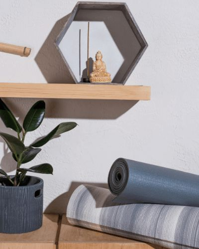 How to Set up a Meditation Space You Won't Want to Leave ...