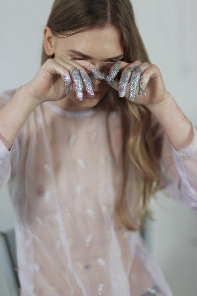 http://lulufrost.tumblr.com/post/122682192667/weekend-wildcard-tears-of-glitter