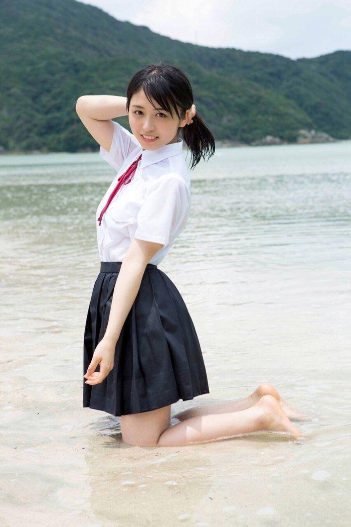 japan-cute-junior-high-school-girls-girl-with