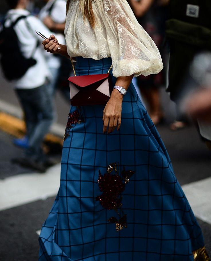 #milan #moda #mode #mfw #ss17 #fashionweek #streetstyle #blackgold #fashion #mod #maxmara #industry #milano #nofilter @maxmara
