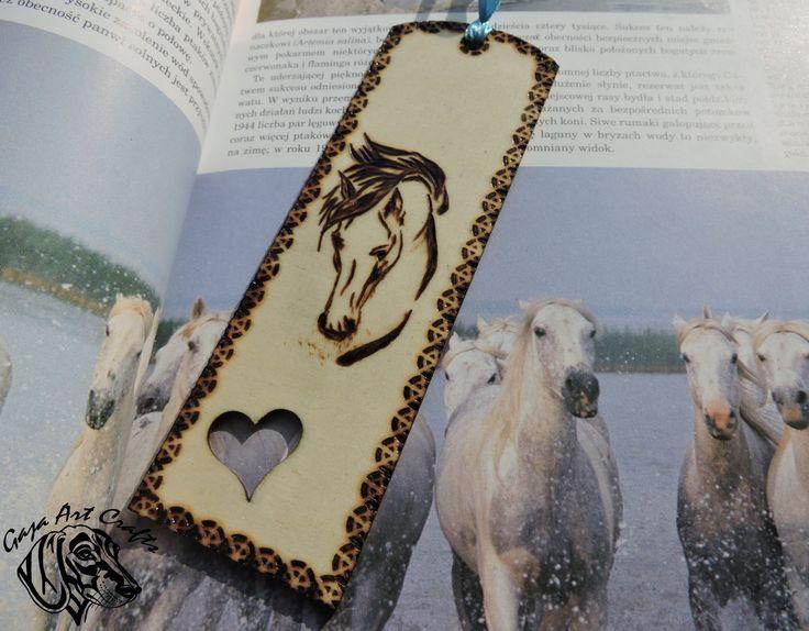 Horse head wooden bookmark by GajaArtCrafts on Etsy