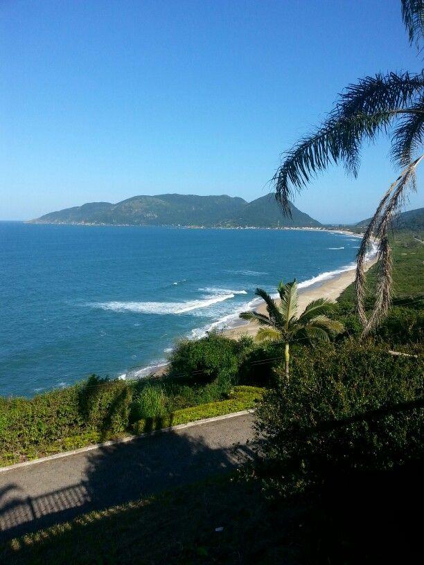 Praia da Armação vista do Morro das pedras-Florianópolis/Brasil.