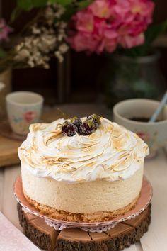 La más deliciosa combinación del limón con suave y dulce merengue crujiente. Aprende el truco para hacer mi tarta de limón con merengue crujiente.