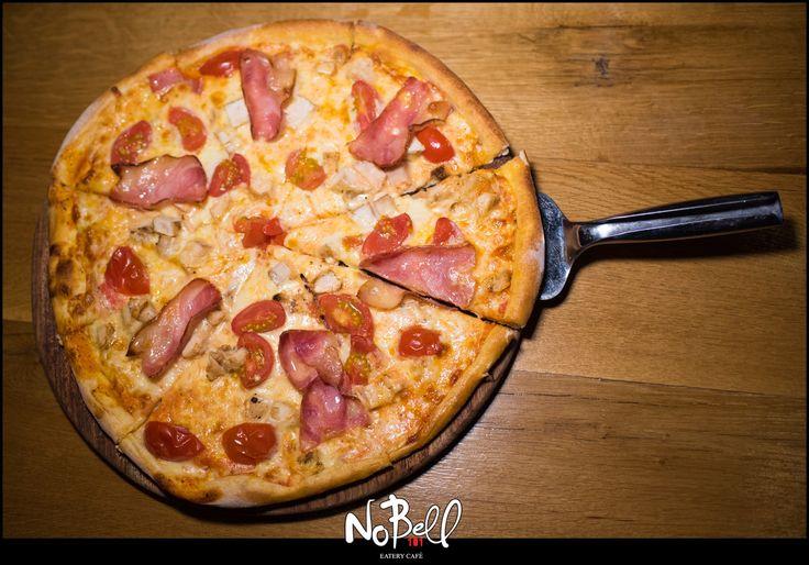 Παραλία και μετά τραγανή, ολόφρεσκη πίτσα στο Nobell! #Summer #Nobell #ItalianPizza