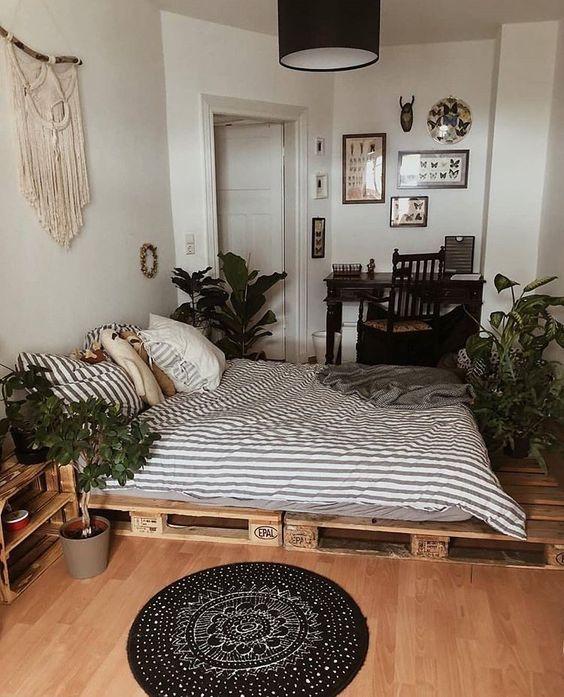 15 espacios muy acogedores para un dormitorio con camas de palets