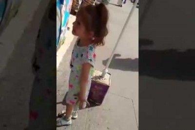 Minik Kızı Canından Bezdiren Maraş Dondurmacısı