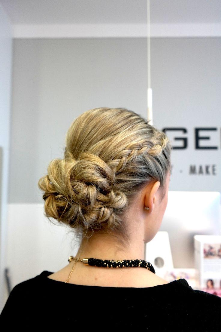 Wieder einmal gab's eine schöne Hochsteck- und Flechtfrisur bei Hair & Beauty Hagemann mitte in Bonn :)
