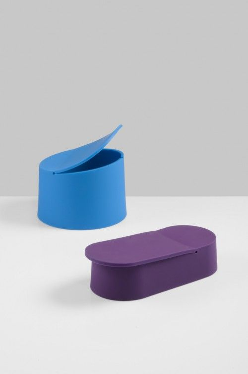 Flex is a minimal design created by Switzerland-based designer Tomas Kral. He received his Bachelor for Industrial Design in 2006 at ECAL, and established his company in 2008. Kral's apporach to design is characterized by a clear preoccupation for materials and processes. (3)