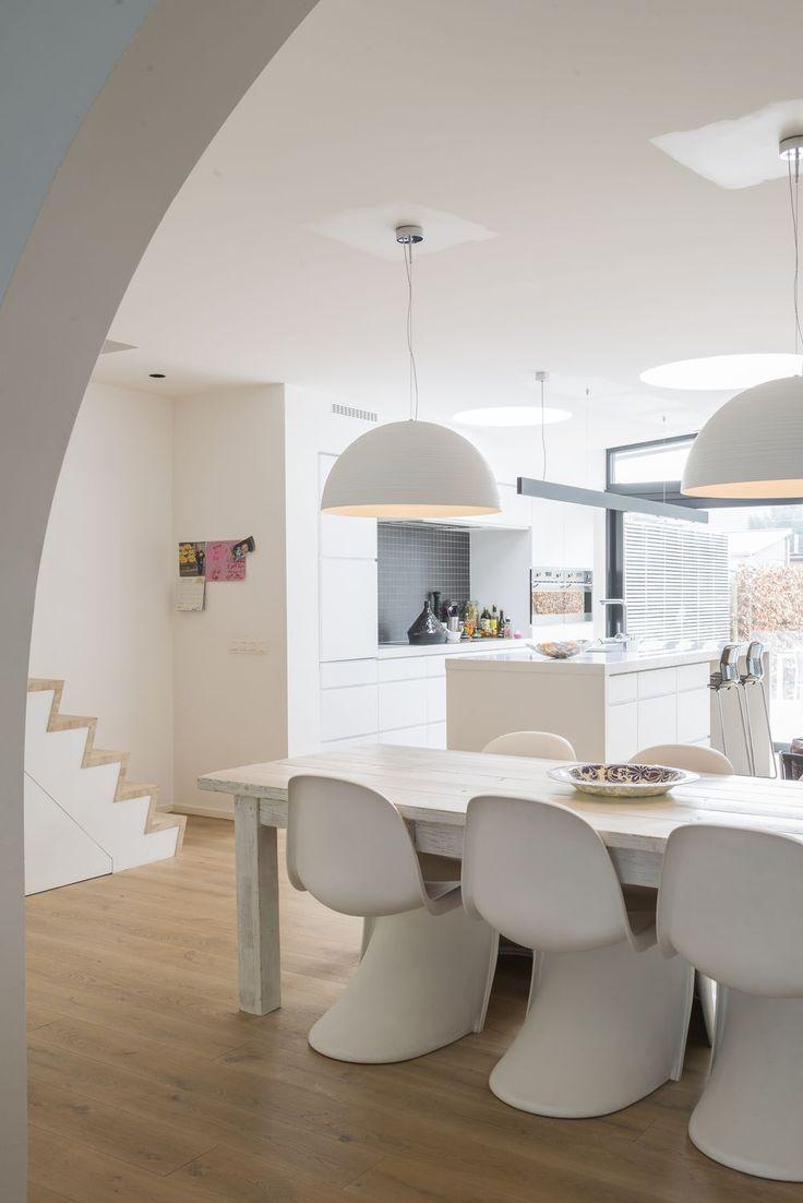 In beeld: transformatie van een donker huis uit de jaren vijftig tot minimalistische zwart-witwoning - Renovatie - Ik Ga Bouwen Mobile