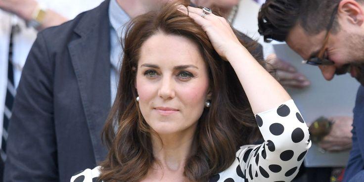 Alla prima giornata di Wimbledon la duchessa di Cambridge sfoggia un nuovo taglio di capelli che non solo è di tendenza ma anche molto di classe (come lei)