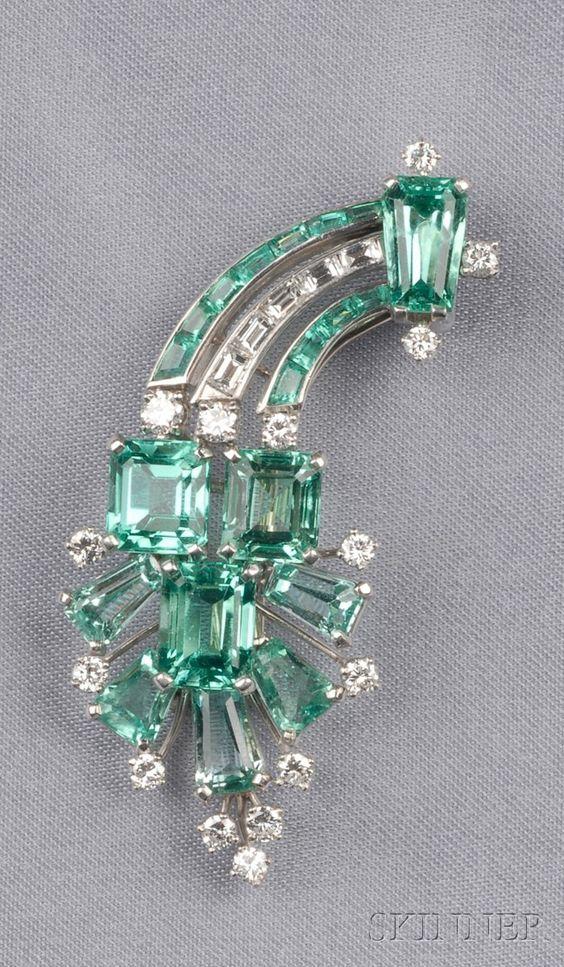 Platinum, Emerald, and Diamond Clip Brooch: Cut Emeralds, Broche De Diamante,