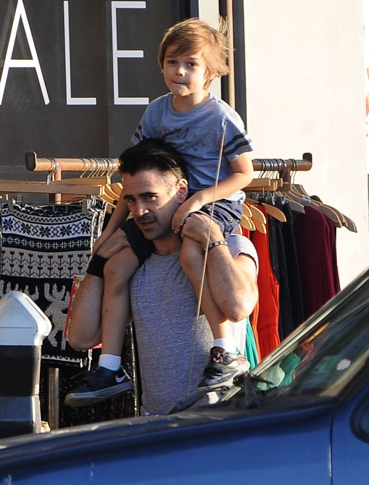 Exclusive... 51935293 'Solace' actor Colin Farrell and his son Henry do some last minute Christmas shopping in West Hollywood, California on December 23, 2015. Colin let Henry sit atop his shoulders as they made their way down the street. FameFlynet, Inc - Beverly Hills, CA, USA - +1 (310) 505-9876