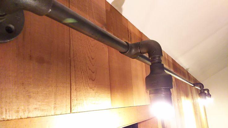 ガス管のレジューサーに埋め込んだLEDが灯ります