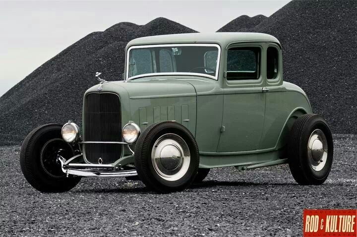 1932 Ford 5 window coupe Highboy