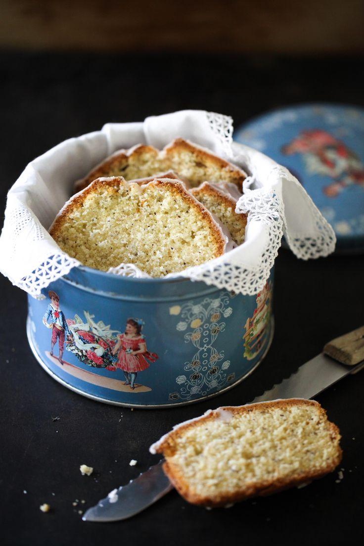 Mit diesem Rezept für Mohn-Marzipan-Kuchen aus der Kastenform mit Zimtguss habe ich mich heute ein bisschen belohnt, denn: Ein neuer, bahnbrechender Jeanny-Lebensabschnitt hat begonnen.Ich mache j...