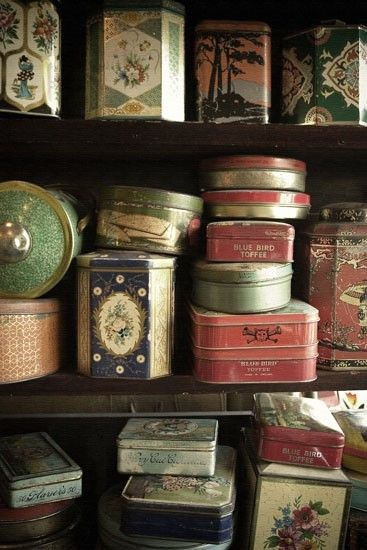 love the colors/shapes in this tin collection