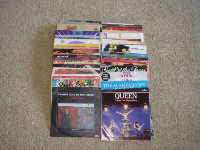 Unieke collectie van 90 Singles van ABBA David Bowie 10CC Stevie Wonder Bangles Donna Summer Paul Young OMD Kinks Divine Pointer Sisters enz.  In goede staat zie scans.Alan Parsons Project-Old and wise: 1982Paul Simon-One trick pony: 1980ABC-het uiterlijk van de liefde: 1982Cliff Richard-sommige mensen: 1987Demis Roussos-zomer in haar ogen: 1986Nik Kershaw-ik zal niet toestaan dat de zon naar beneden op mij: 1983Invloed-Save me: 1980Abba-de dag vóór u kwam: 1982David Bowie-Ashes to ashes…