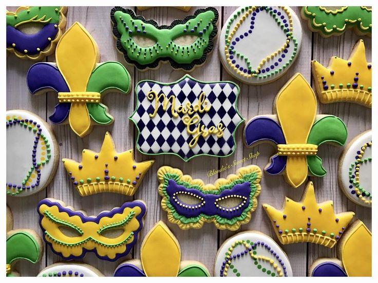 Mardi Gras! cookie set by Blondie's Sweet Shop
