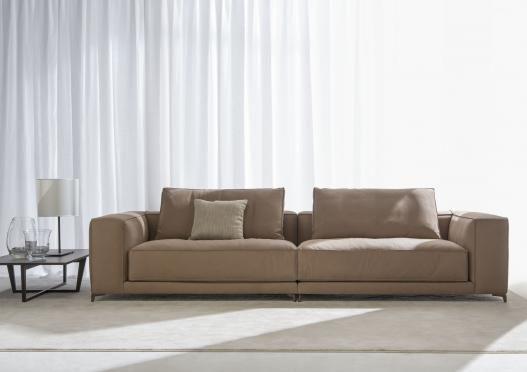 #Christian: modernes, raffiniertes und aktuelles #Sofa, das vom BertO Design Studio.