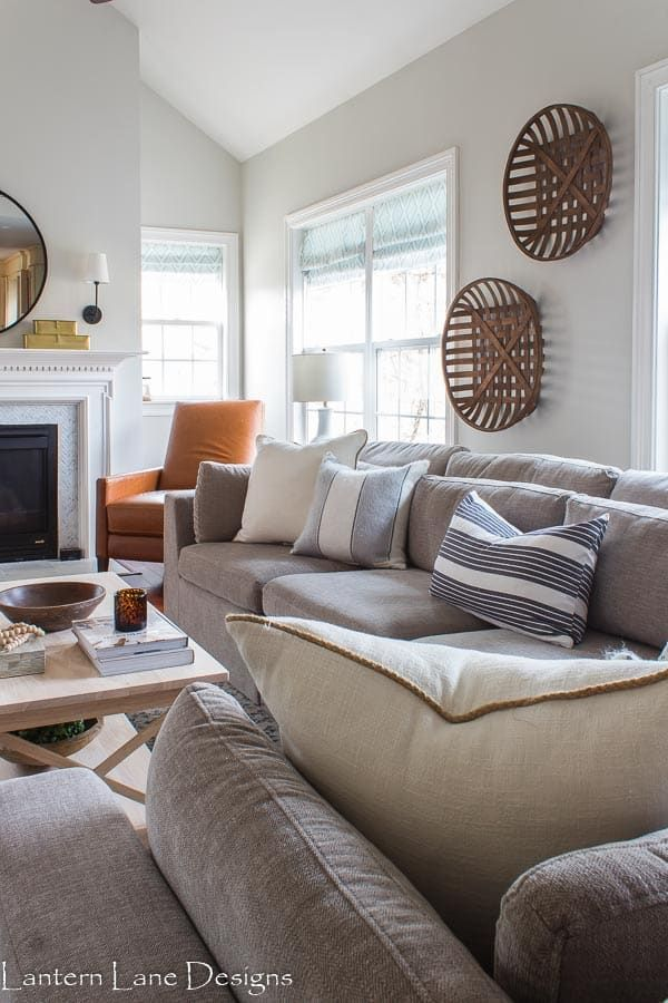 Small Living Room Decor Ideas With A Sectional In 2020 Small Living Room Decor Small Room Design Family Room Decorating #small #room #living #room #ideas