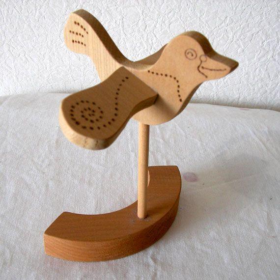 木工にはまっていた時に作ったはとオブジェです。タモの木を糸鋸でカットし、柄を電熱ペンで描きました。※無着色※三枚目の写真のように羽の付け根にボンドの痕が少しあ... ハンドメイド、手作り、手仕事品の通販・販売・購入ならCreema。