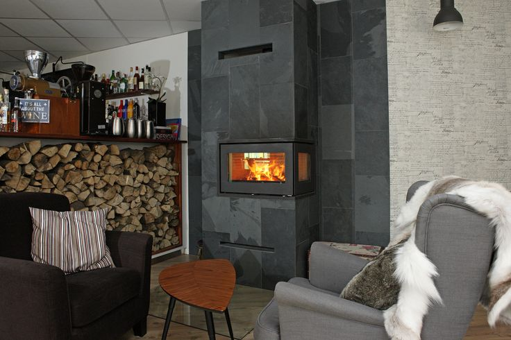 The #RAIS500 is a #moderns #fireplace from #RAIS. We #love #fire.