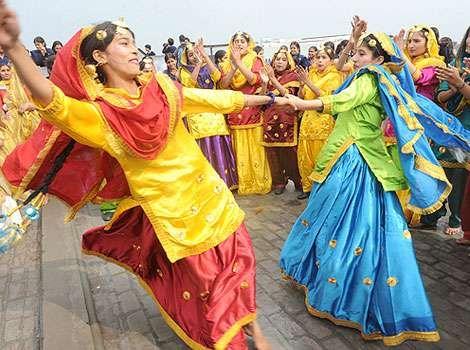 Punjabi Culture And Traditional Punjabi Dance Gidha