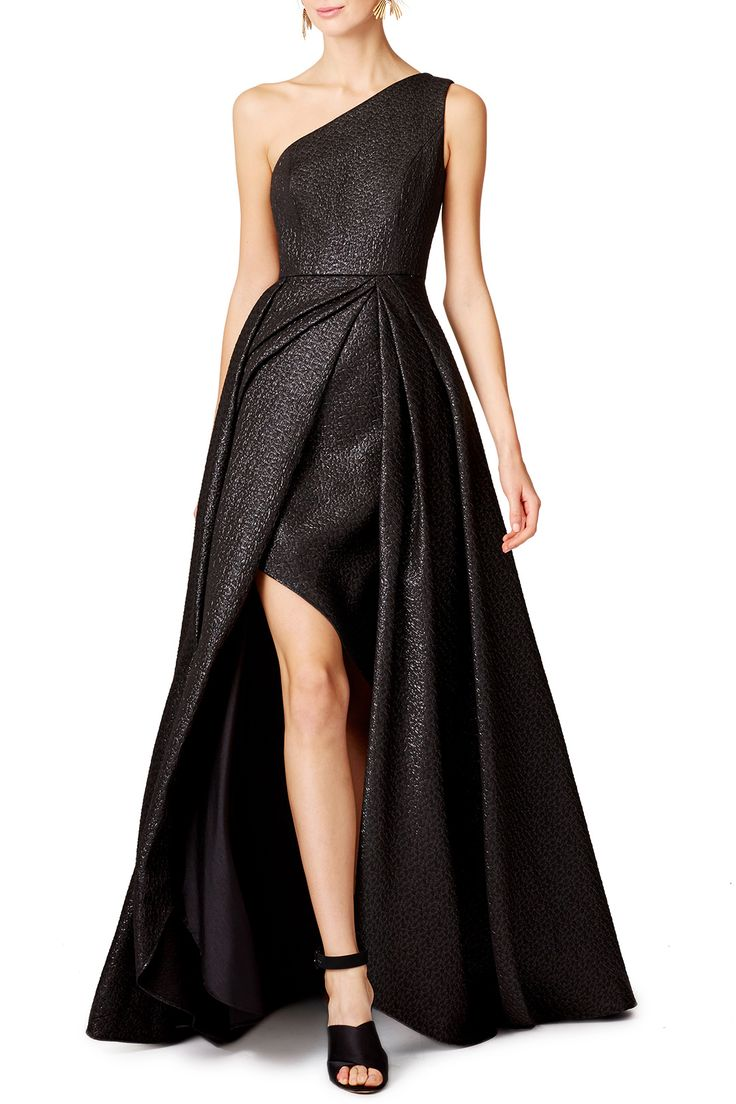 ML Monique Lhuillier Odyssey Gown. Also easily available in sizes 2,4,6