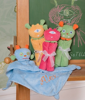 These monogrammed Monstor Lovies from Makaboo are scary cute! Use code: SCARYCUTE to get 25% off thru 3/30/12.  $19.99 each & that includes the embrioidery and gift packaging!: Babies, Gift Ideas, Cute Ideas, Monster Lovies, Baby Things, Dinner Ideas, Baby Shower Gifts, Party Ideas, Baby Gift