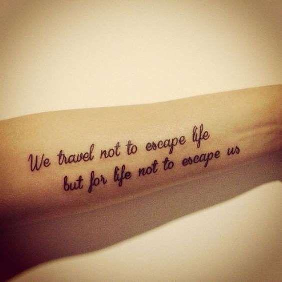 """""""Nós não viajamos para escapar da vida, mas para que a vida não escape de nós"""" ✈ - Reprodução"""