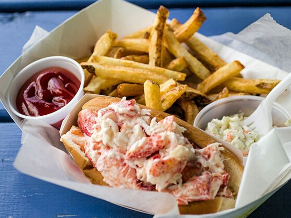 The Deckhouse Crab Shack and BBQ http://www.eatout.co.za/venue/deckhouse-crab-shack-bbq/