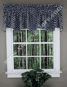 Waverly Lattice scalloped Valance adds elegance to any window décor. Inspired by garden architecture, this scalloped valance brings the outdoors in with a traditional white trellis pattern. #Waverly #Valance