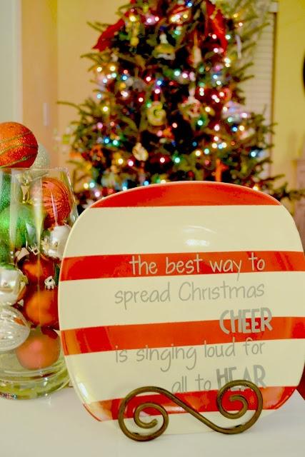 "DIY Christmas Plate-""The best way to spread Christmas cheer is singing loud"