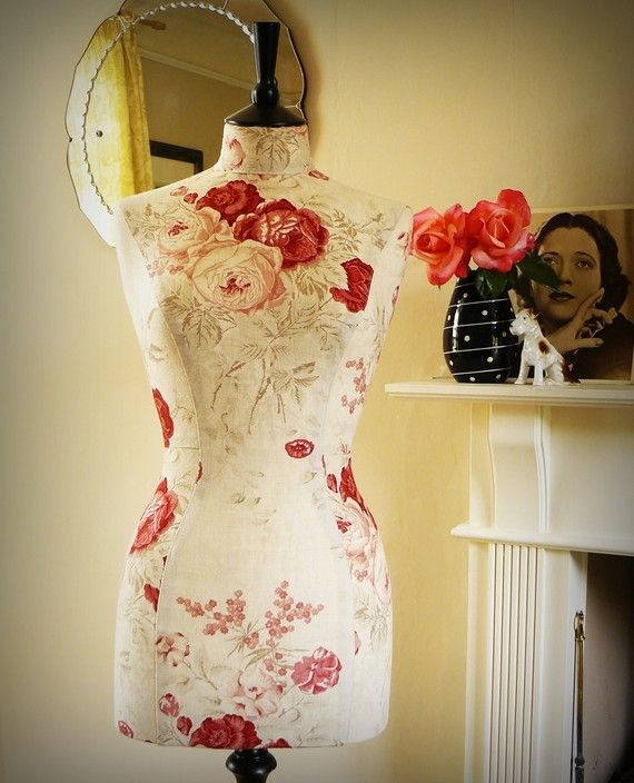 Tailored English Rose Linen Display by CorsetLacedMannequin, £204.00: English Roses, Corsets Lace, Flowers Dresses, Hands Made, Dresses Form, Kate Mannequin, Sewing Rooms, Floral Dresses, Mannequin Dressform