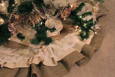 do it yourself divas: DIY: Burlap and Lace Christmas Tree Skirt